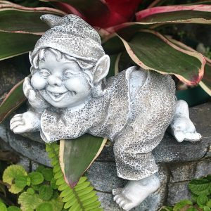 relaxing garden gnome, garden gnomes South Africa